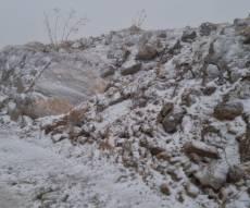 תיעוד לבן: שלג יורד בפסגת הר החרמון. צפו