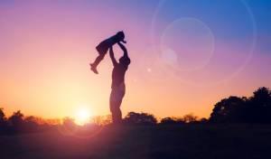אילוסטרציה - משמורת משותפת שווה על הילדים, טובה גם לאימא