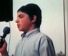 וידאו נדיר: בני פרידמן בגיל 13, בחצר של רובשקין