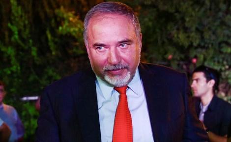 שר הביטחון אביגדור ליברמן - ליברמן מציע: רישום פלילי וביטול המלגות