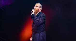 """שמואל הוניג בסינגל חדש: """"מגן ומושיע"""""""