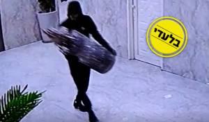 מדאיג: הגנבים חודרים - וגונבים ספרי תורה