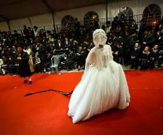 איך חרדים מצליחים לחתן עשרה ילדים? צפו בווידאו