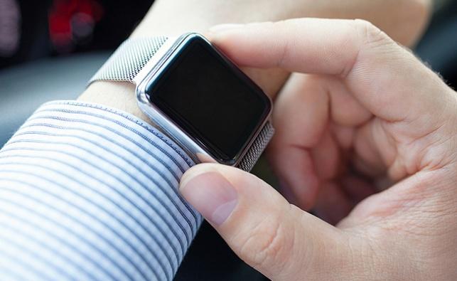 שעון חכם - 'עתיד הדור בסכנה עצומה - בגלל שעון חכם'