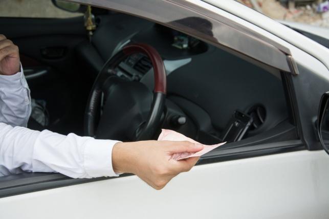 גנב רכב ששכר מחברה בבני ברק ונעצר