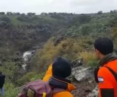 תיעוד החילוץ - נער חולץ מנחל סוער; חיפוש אחר אדם נוסף
