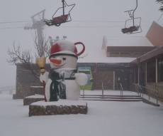"""החרמון - לבן; עשרות ס""""מ של שלג • תיעוד"""