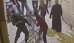 """תקף שוטר בפיגוע - ושוחרר: """"הגן על עצמו"""""""
