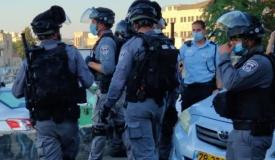 המשטרה חוקרת: מי גנב מכשיר קשר בלוויה