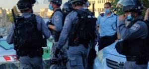 שוטרים סמוך להלוויה, היום