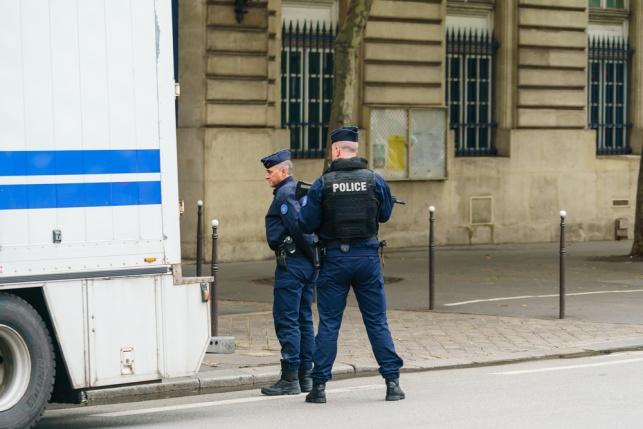 שוטרים בטראפ