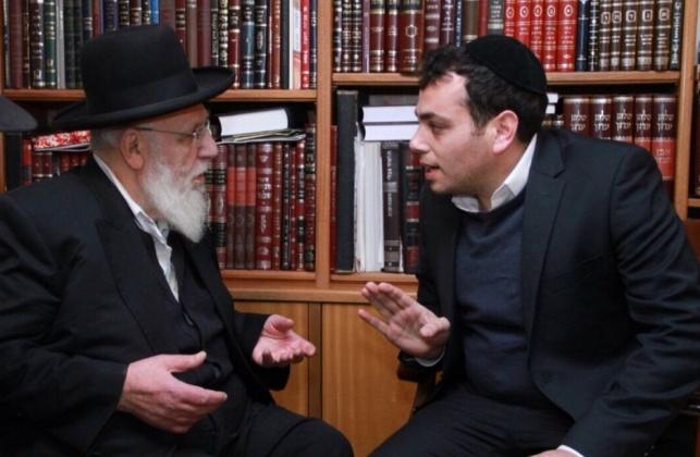 """יעקב בצלאל לצד נשיא המועצת הגר""""ש כהן"""