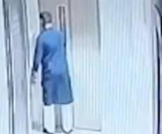 תיעוד: נכנס למעלית בהודו ונפל למוות בפיר