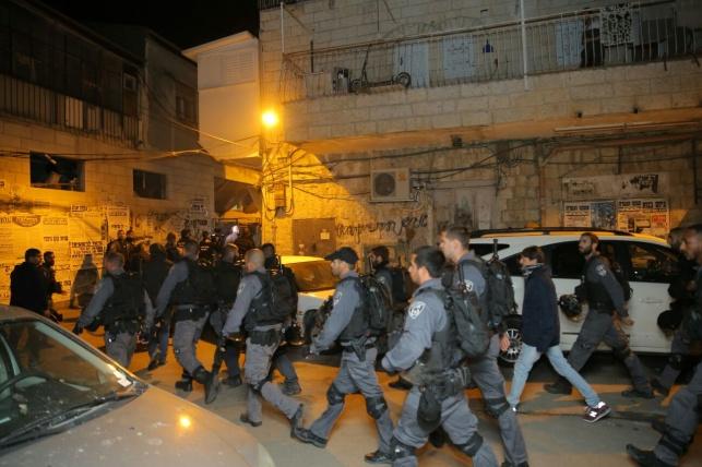 השוטרים, בעת המעצר אתמול