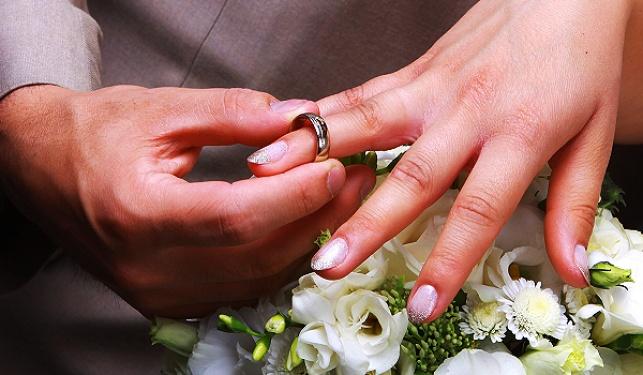 """יוזמה חילונית: """"לא להינשא ברבנות"""""""