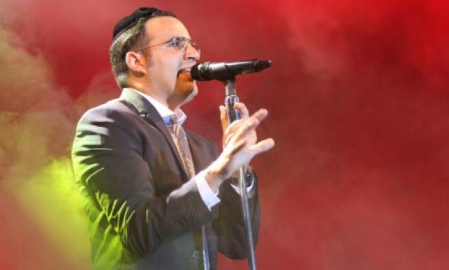 הזמר יעקב שוואקי