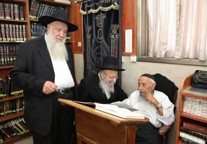 הרב בעדני, הרב פישביין והרב עשור