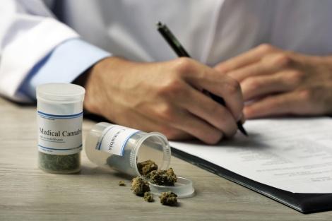 אישור לקאנביס רפואי (אילוסטרציה) - תוך ימים: מטופלים בקאנביס רפואי יורשו לנהוג