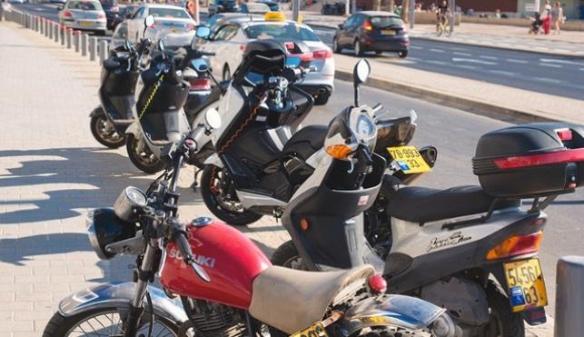 אופנועים בתל אביב מורשים לנסוע בנתיבי תחבורה ציבורית