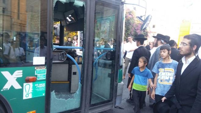 המהומה סביב האוטובוס המנופץ