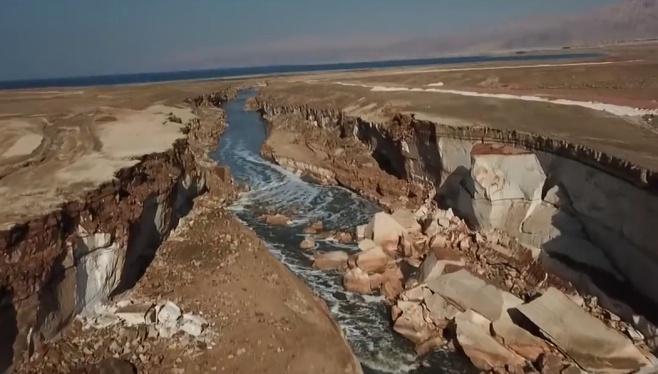 """""""הנהר"""" המסתורי שהתגלה באזור  ים המלח"""