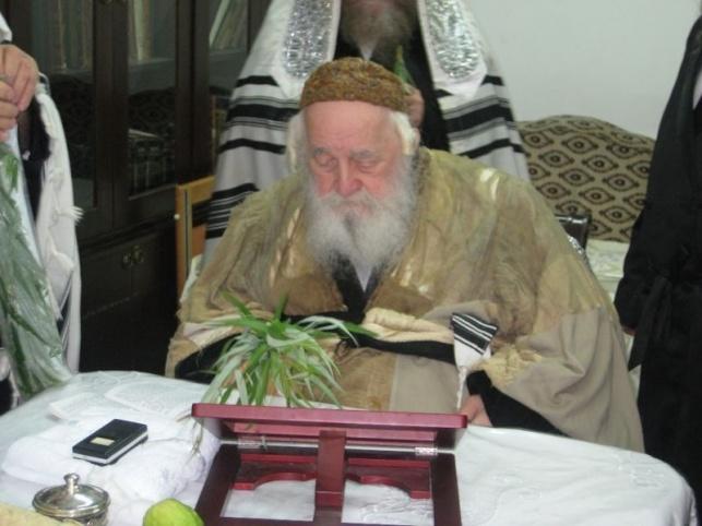 בעל ה'ישועות משה' לבוש בקיטל