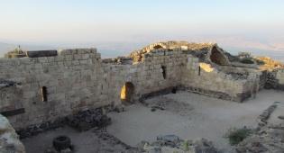 טיול עששיות, סיור לילי בכוכב הירדן. - נבכי המבצר העתיק מתגלים בחשיכה - כוכב הירדן
