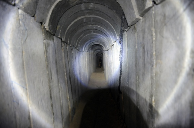 מנהרות החמאס: אלף חופרים, 50 מטר בשבוע
