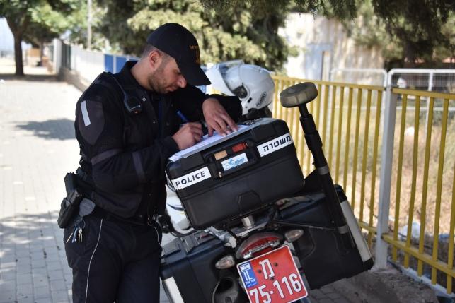 גנבו קטנועים בתל אביב ונעצרו 'על חם'