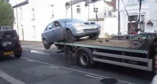 המכונית נמלטת מרכב הגרירה