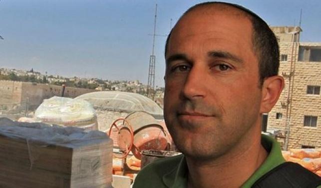 י-ם: ערבים השליכו בקבוק צבע לעבר בית יהודי