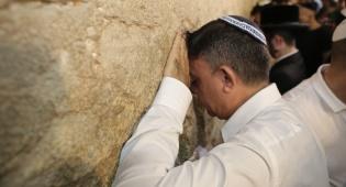 גבאי בכותל - אבי גבאי בכותל: ירושלים תמיד תהיה בירתנו