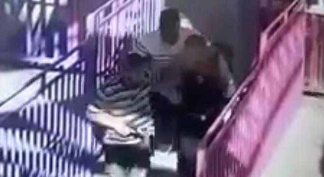 צפו: כוח מסתערבים תועד במצלמת אבטחה
