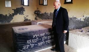 תיעוד: השגריר בקבר בעל ה'אביר יעקב'