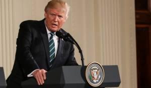 """טראמפ עולה למתקפה: """"ראש ה-FBI טועה"""""""