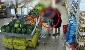 תיעוד: גנבה מקשישה והחזירה לה ארנק ריק