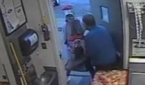 השודד המחופש - התחפש לבקבוק קוקה קולה ושדד מסעדה