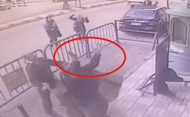 ילד נפל מקומה 3 אל השטיח - על השוטר • צפו