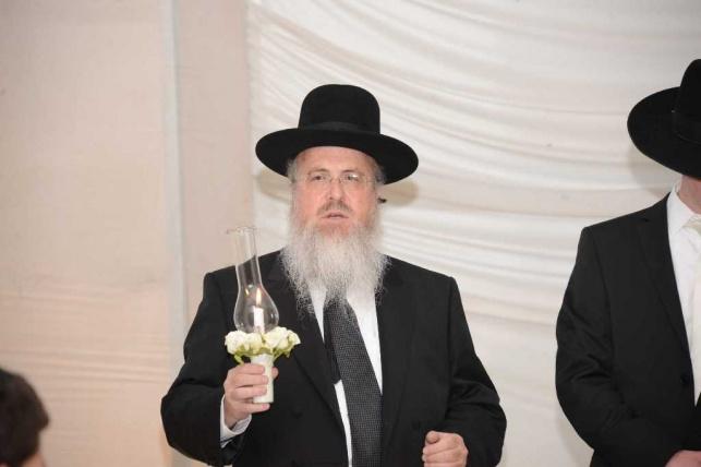 הרב בן ציון אזרחי בחתונת בנו