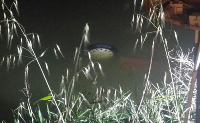 רכב הידרדר לבריכת דגים, בן 30 טבע למוות