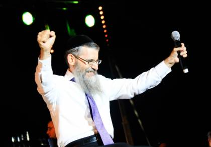 """אברהם פריד בסינגל קליפ חדש: """"אוטוטו"""""""