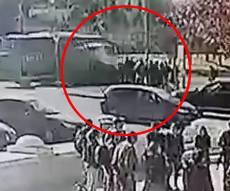 רגע הפיגוע: המשאית דוהרת ודורסת  • צפו