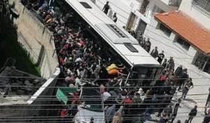 אזרחים ירדנים מתנפלים על חנויות האוכל לאחר הסרת הסגר היומי