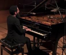 הפסנתרן של הגדולים בשירי הרב גינזבורג