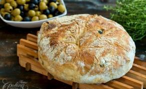 לחם זיתים ועשבי תיבול