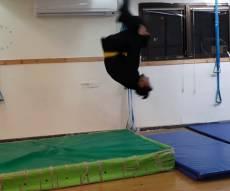 'הנינג'ה החרדי' ילמד אתכם לעשות סלטות