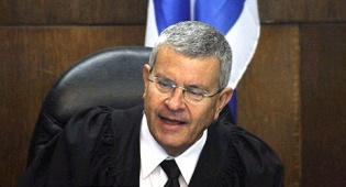 ההכרעה בידיים שלו, השופט דוד רוזן
