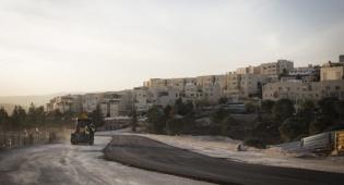 עבודות ברמת שלמה לקראת בנייה - ברקת יוזם: שכונה חרדית חדשה בעטרות