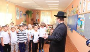 היסטוריה: מולדובה תממן לילדים אוכל כשר