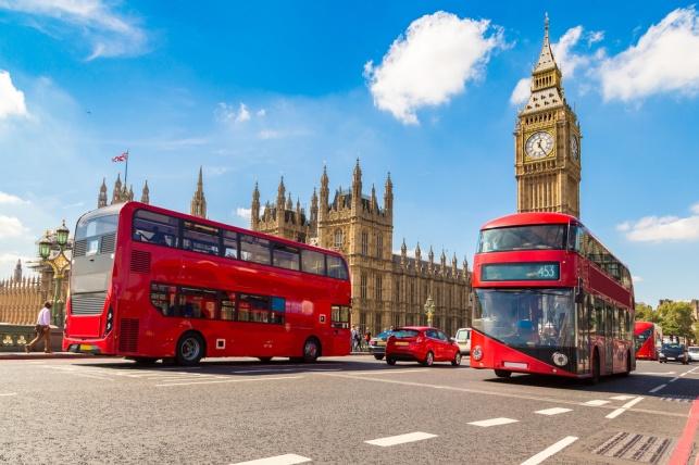 לונדון זה כאן: משרד התחבורה יערוך פיילוט של אוטובוסים דו-קומתיים